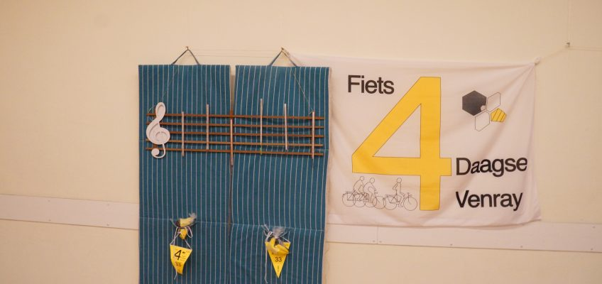 Uitreiking cheques goede doelen van de 33ste Fietsvierdaagse Venray.